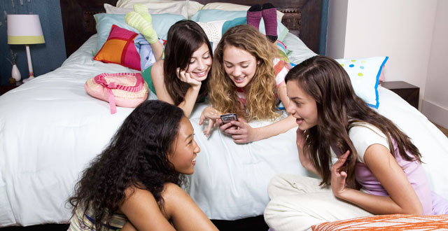 Fun-Things-to-Do-at-Home-with-Your-Friends