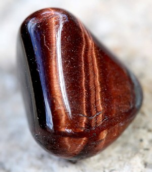 root-chakra-stones-red-tigers-eye